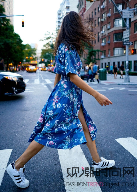 夏天最美的10条裙子能让你美...