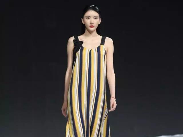 2018时尚深圳展 | 久违的时髦感,竟被这4场秀治愈了