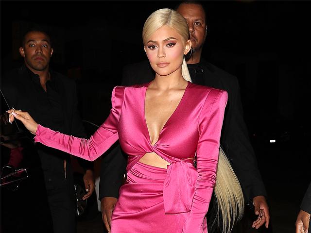 欧美女明星最新时尚造型,你最爱哪款?