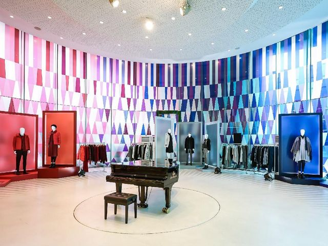 艺术邂逅服饰 科技联结生活 优衣库首次在博物馆举办新品预览