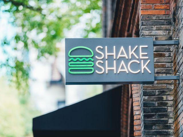 侬好, Shanghai!Shake Shack上海首家店铺于1月24日在新天地开幕