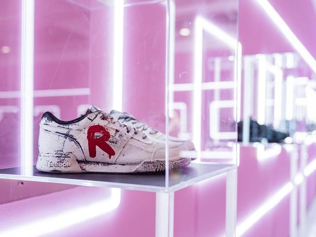 垄上艺术与富艺斯拍卖行将于上海K11艺术空间举行 《Tongue + Chic 街头密码》潮鞋艺术展