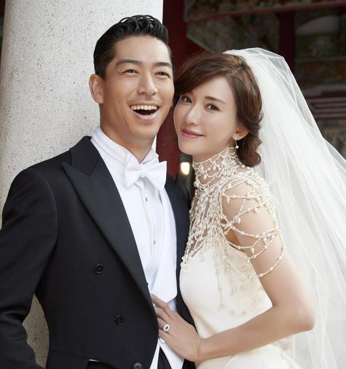 林志玲大婚|婚�Y上的腕表和珠��