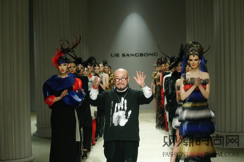 """""""泉城风尚""""国际时装周 LI..."""