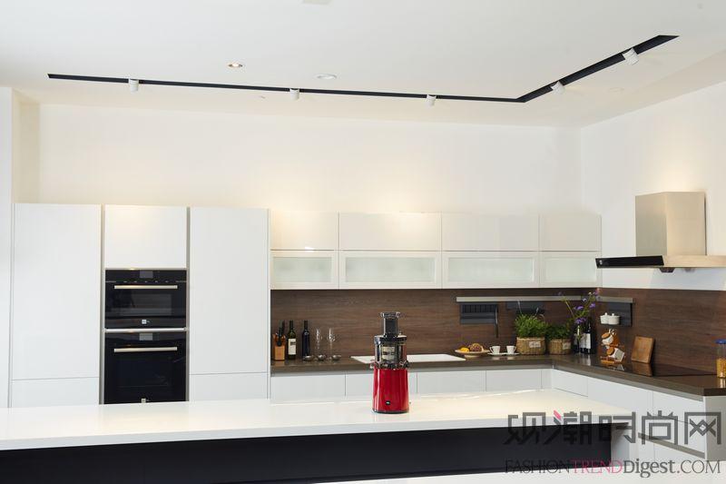布局智能与高端整体厨房领域 ...