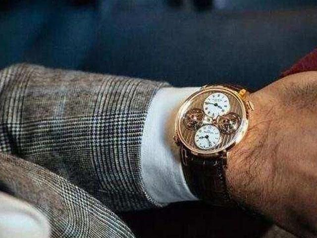 作�橐幻�年�p有�榈哪惺浚�手表配戴有哪些技巧