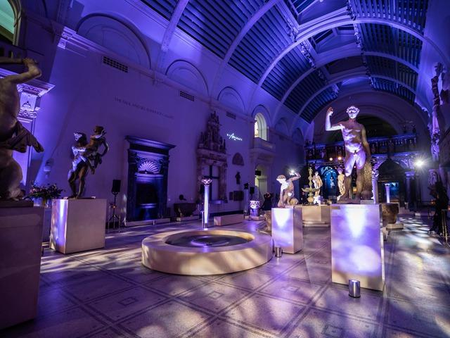 """""""当艺术邂逅时尚"""" 设计师品牌MITHRIDATE携手英国版《时尚芭莎》 于伦敦V&A博物馆举办新系列酒会  庆贺MITHRIDATE伦敦首发"""