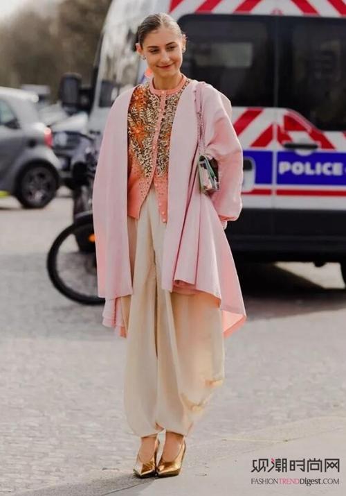 欧美最新街拍!时尚女孩看过来