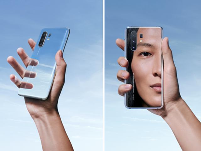 vivo X30系列alexanderwang联名限定版正式开售 全镜面设计打造王的镜界