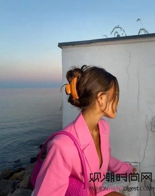 """2021年春夏原来流行""""火烈鸟""""色"""