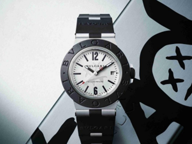 BVLGARI宝格丽Aluminium系列Steve Aoki特别款腕表  划破黑夜的一束光