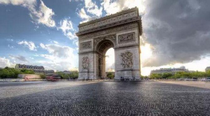 叶眼观潮 | 为什么法国时尚界面临着潜在的危机?